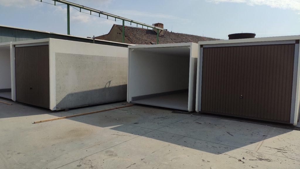 garáž - betonová monolitická